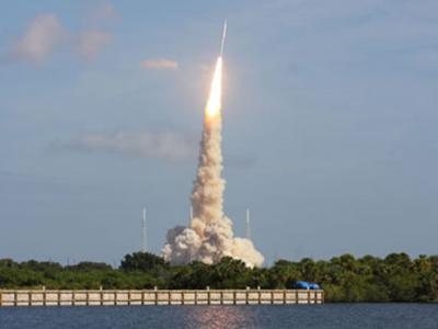 美国试射战神1-X实验火箭发射过程视频