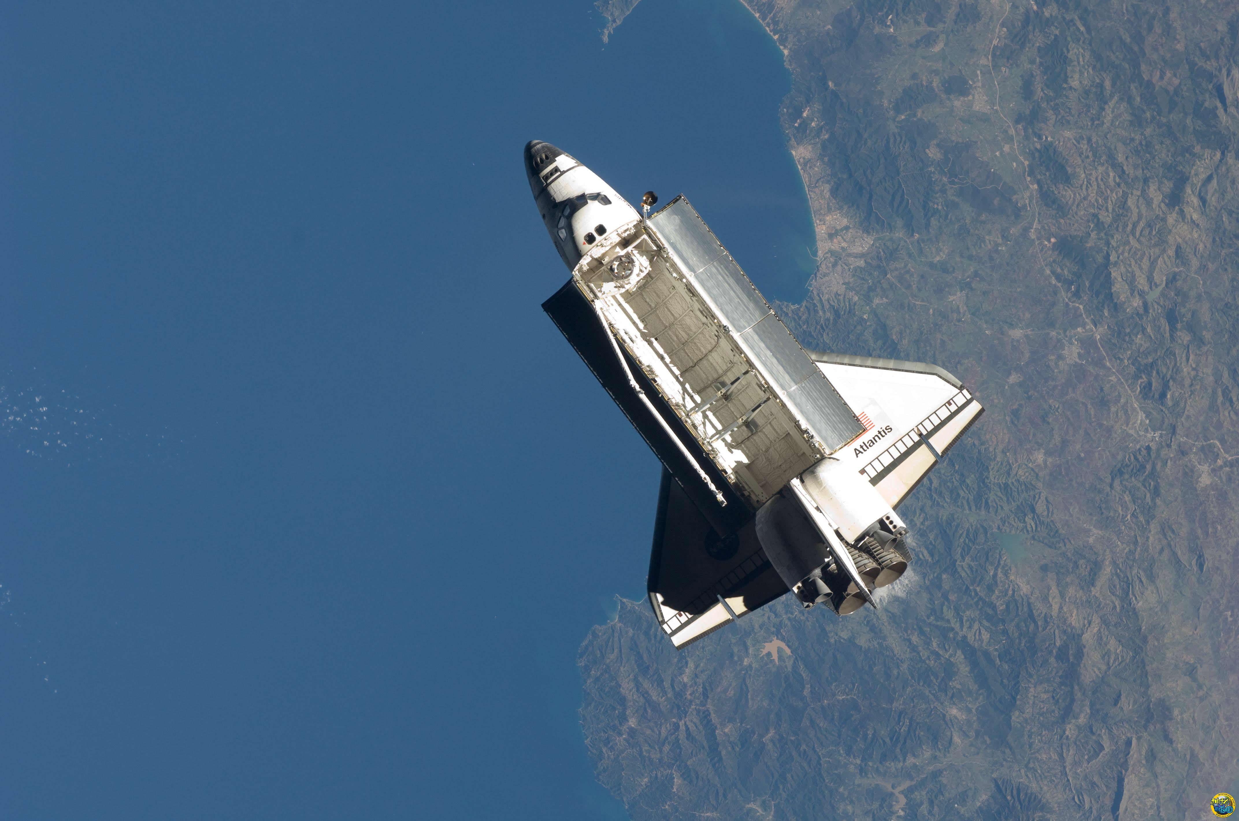 space shuttle habitable volume - photo #20