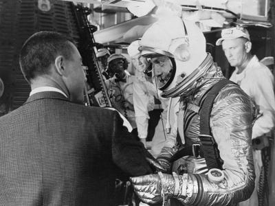 第一个进入太空的美国人——艾伦谢泼德