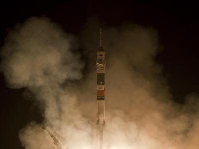 联盟TMA-19火箭发射