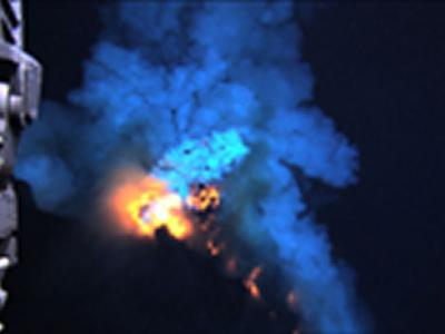 拍摄最深的海洋火山喷发