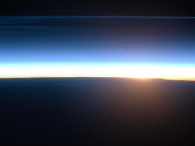 国际空间站拍摄的地球日出