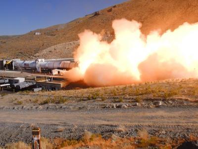 美国宇航局DM-2发动机测试