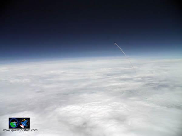 美国学生发射高空气球拍阿特兰蒂斯号航天
