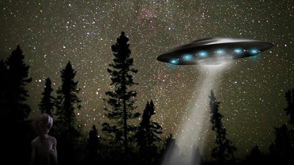 资料图片:UFO与外星人-广州频现UFO视频 评 炒作背后存企业营销意