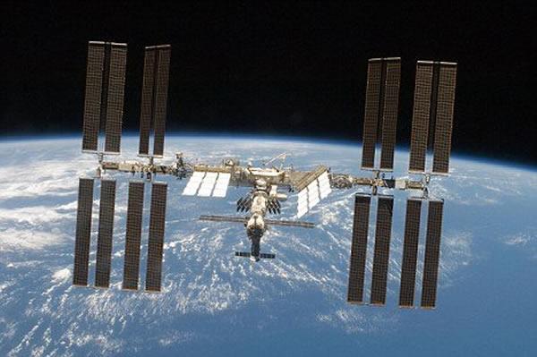 """美国宇航局在国际空间站建立""""干洗店"""""""