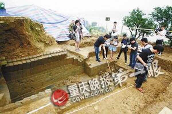 大全彩日本邪漫画大全渡口挖出东汉古墓 陶棺现身