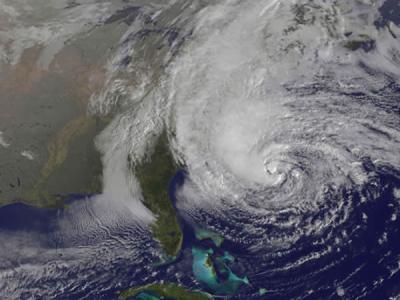 """美国宇航局在轨运行的卫星拍摄飓风""""桑迪""""的景象"""