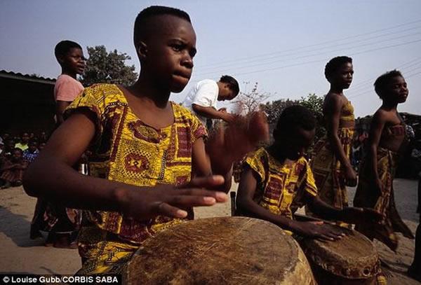 次撒哈拉非洲人的祖先是唯一没有与穴居人
