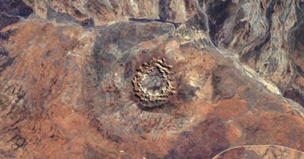 澳大利亚发现3亿年前形成的巨大陨石坑