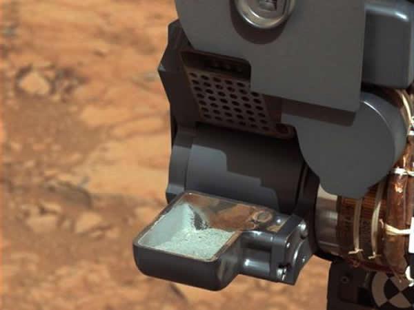 """""""好奇""""号火星车成功获得来自火星岩石内部的首例样本"""