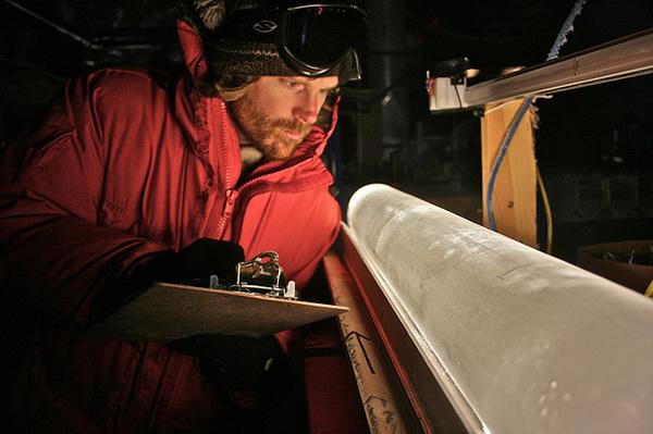 采自西南极的冰核样本