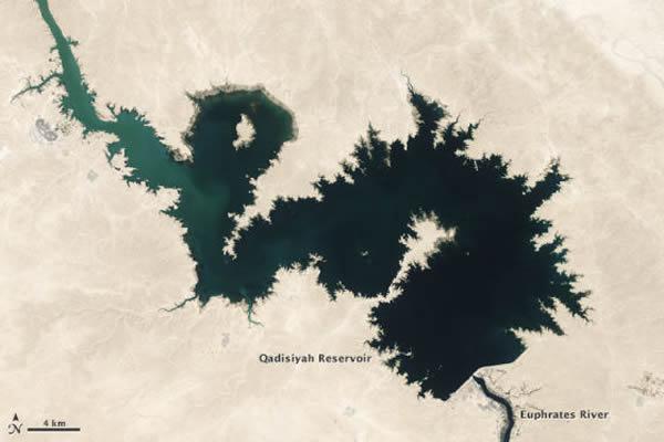伊拉克卡迪西亚水库在2006年9月7日的情况