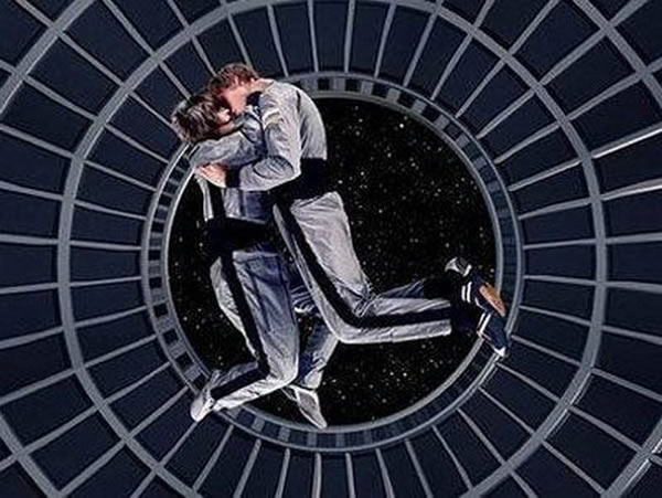 性爱 太空/科学家称,太空性生活动作难度大,并且太空放射线容易导致胎儿...