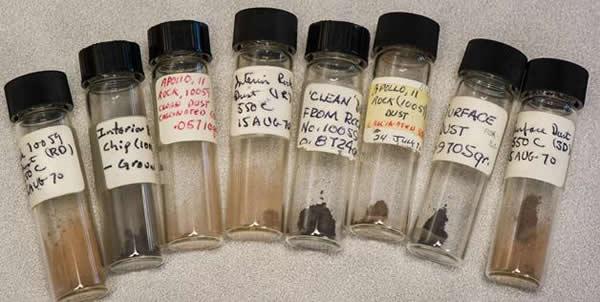 来自美国加州的档案保管员近日于美国劳伦斯-伯克利国家实验室的一间仓库内,发现了装有阿波罗11号采集到的月球尘埃的20个小瓶。