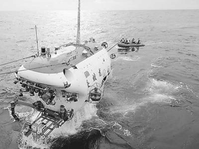 """""""蛟龙""""号将载科学家乘客闯深海"""