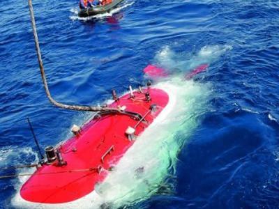 """作业型深海载人潜水器""""蛟龙""""号开始进行首次试验性应用航次首潜"""