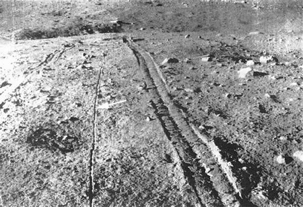 1973年月球车2号在月球上留下的痕迹