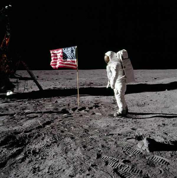 月球上有对机械和人体有害的毒雾