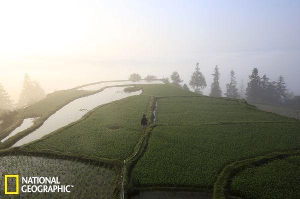 探访中国唯一持枪村落:贵州省岜沙村