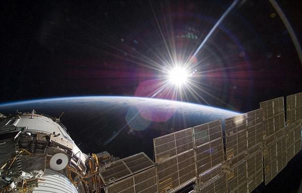 国际空间站宇航员拍摄的壮美地球