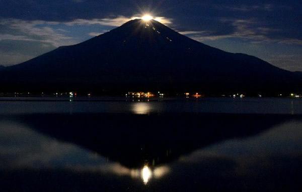"""23日凌晨出现的""""珍珠富士""""景观"""