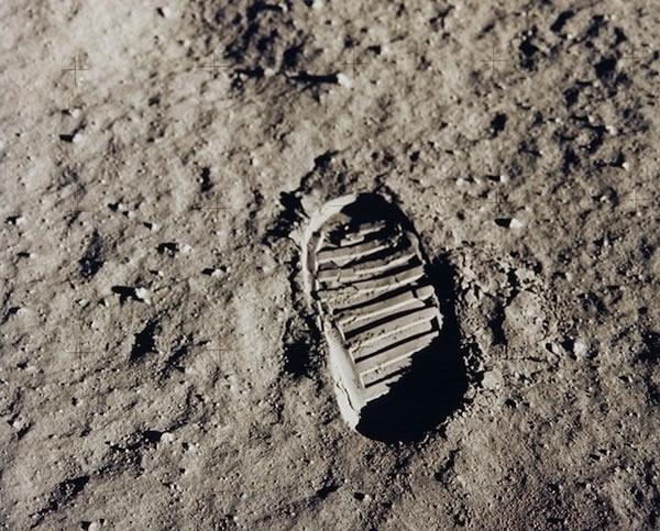 阿波罗11号登陆月球的历史性标记