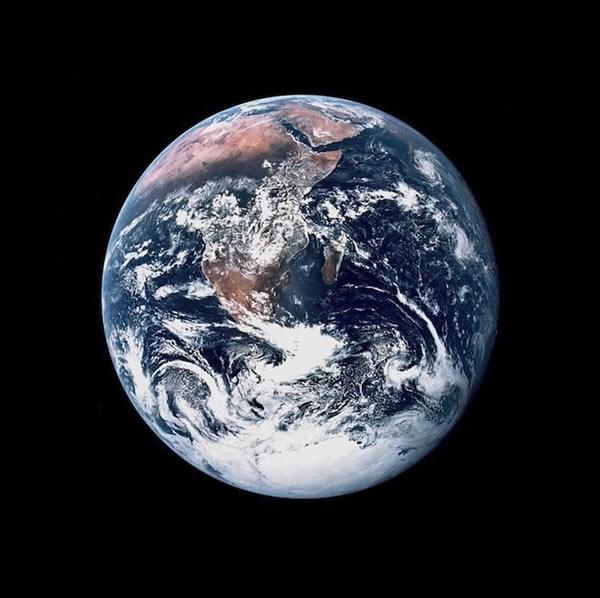 阿波罗17号的宇航员拍摄的蓝色地球
