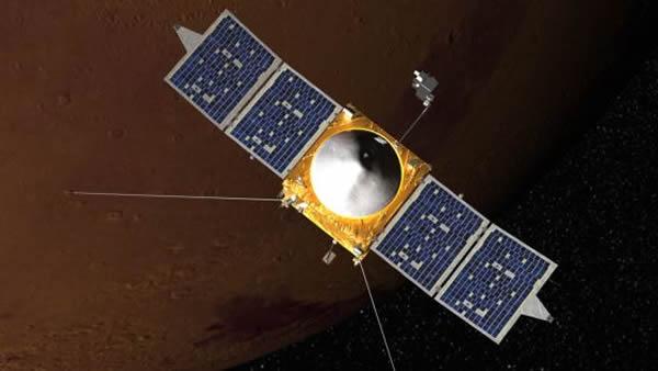 艺术示意图:正在火星轨道运行的MAVEN探测器