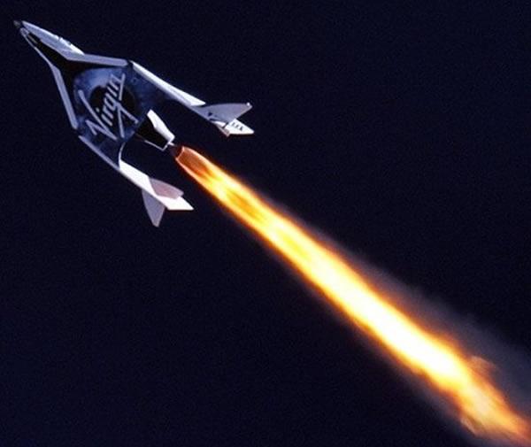 """""""太空船二号""""将成为世界上第一艘商业亚轨道飞船"""