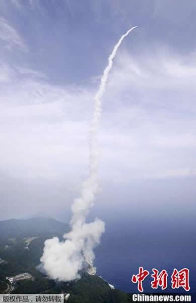 """当地时间9月14日14时,日本新型火箭""""艾普斯龙""""从位于日本鹿儿岛县的内之浦宇宙空间观察所发射升空。据介绍,""""艾普斯龙""""原定于今年8月27日发射,但发射前检测到"""