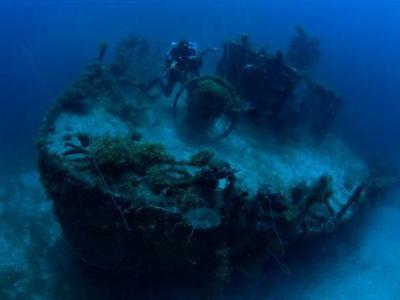 """特鲁克泻湖海底二战日军留下的""""幽灵舰队"""""""
