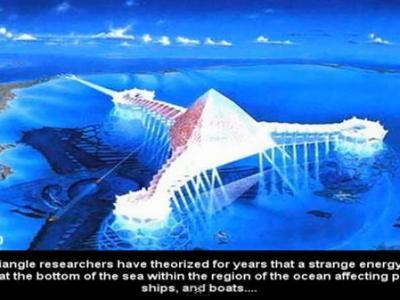 百慕大三角洲海底的半透明水晶金字塔