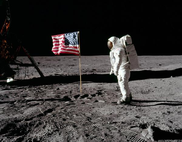 波罗11号登陆月球-登月第一人的兄弟爆料 我的一小步 人类一大步 是