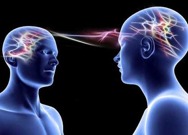 脑控技术可以让受害者感痛苦和头痛,产生自杀的冲动。