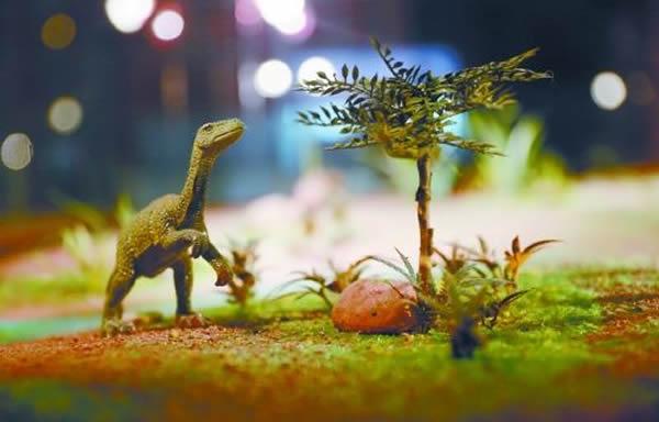 恐龙生态环境模拟玻璃箱