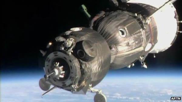 飞船周四离开地球后6小时抵达空间站
