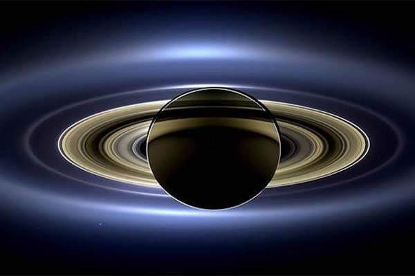 """美国国家航空航天局公布""""卡西尼号""""太空飞船拍摄到的土星高清照"""