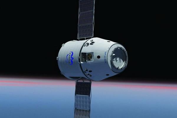 """未来几年内SpaceX公司""""天龙号""""飞船将负责运送美国宇航员抵达空间站"""