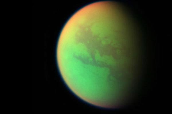 土卫六泰坦表面充满了有机化合物