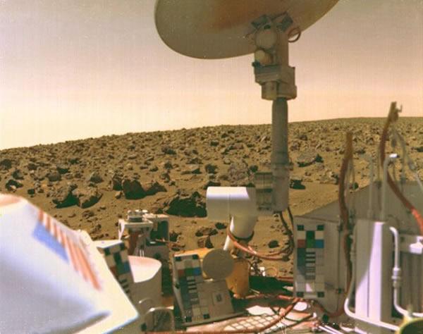 海盗探测器拍摄到的火星表面图像