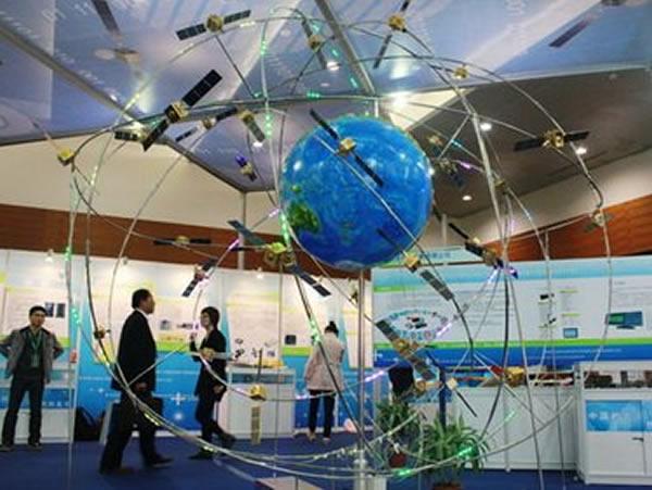 北斗全球导航系统模型,相比这些能见得到实际利益的工程,长期以来,深空探测项目在重实用的中国航天界无人问津。