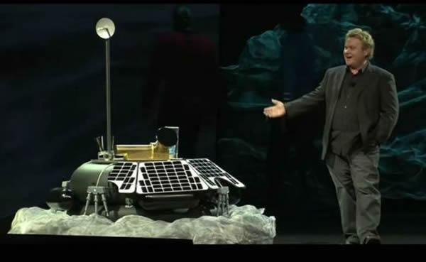 月球快车公司联合创始人,同时也是首席执行官的鲍勃-理查兹5日在拉斯维加斯展示MX-1月球登陆器的一个模型