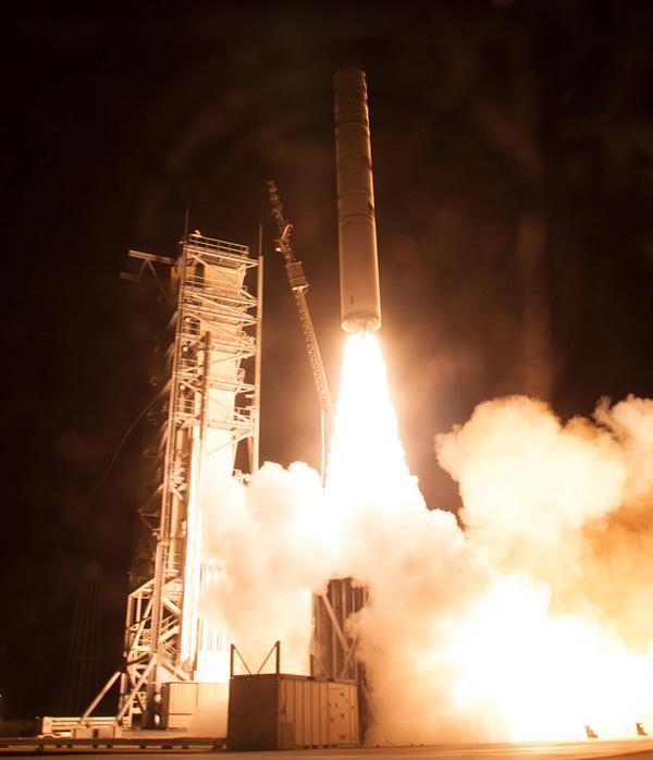 月球大气与尘埃环境探测器(LADEE)发射