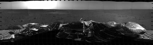 勇气号着陆火星迎来10周年纪念日。它于2003年6月10日发射升空,2004年1月4日抵达火星地表,2010年3月22日与地球失去联系,任务终止。