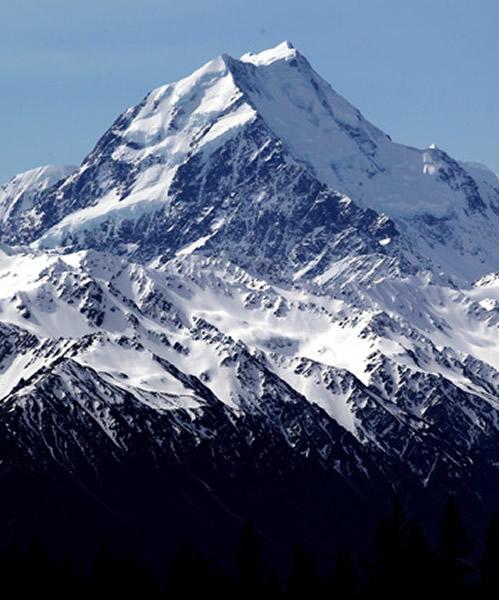 """新西兰最高山峰库克山""""变矮""""30米"""