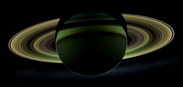 卡西尼号所拍摄到的土星