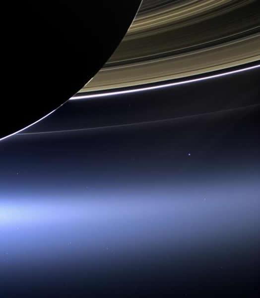 从土星拍摄到的地球
