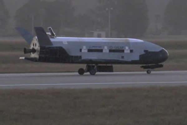 X-37B绝密战机已经在太空中执行了超过400天的任务