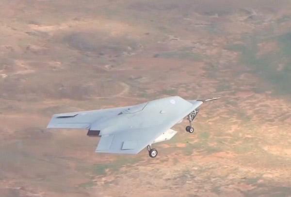英国最先进无人机「塔拉尼斯」(Taranis)成功完成首次试飞